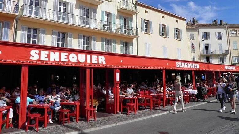 Γαλλία: Έκλεισε το εμβληματικό καφέ Sénéquier του Σεν Τροπέ μετά από εμφάνιση κρουσμάτων