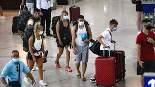 Νέα μέτρα: Ποιοι ταξιδιώτες πρέπει να κάνουν υποχρεωτικά τεστ για κορωνοϊό