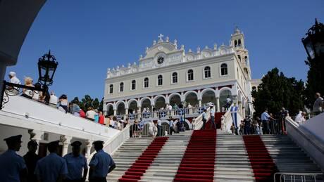 Κορωνοϊός: Τι προβλέπουν τα νέα μέτρα για τις εκκλησίες ενόψει Δεκαπενταύγουστου