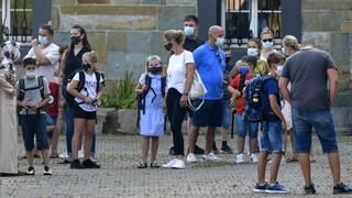Κορωνοϊός - Γερμανία: Σταθερή αύξηση των κρουσμάτων - Με μάσκες οι μαθητές στα σχολεία