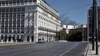Δεκαπενταύγουστος στην άδεια Αθήνα: Απόκοσμες εικόνες από το έρημο κέντρο