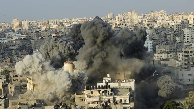 Νέες αεροπορικές επιδρομές στη Γάζα σε αντίποινα για τα εμπρηστικά μπαλόνια κατά του Ισραήλ