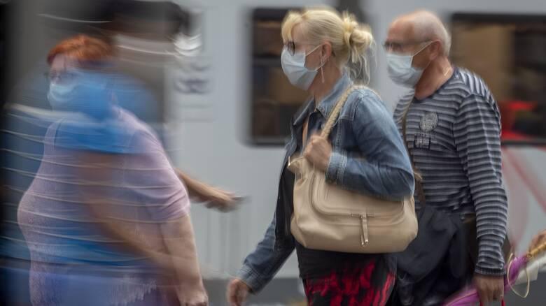 Κορωνοϊός - ΠΟΥ: Αυτές οι ηλικίες είναι πλέον οι κύριοι μεταδότες του ιού