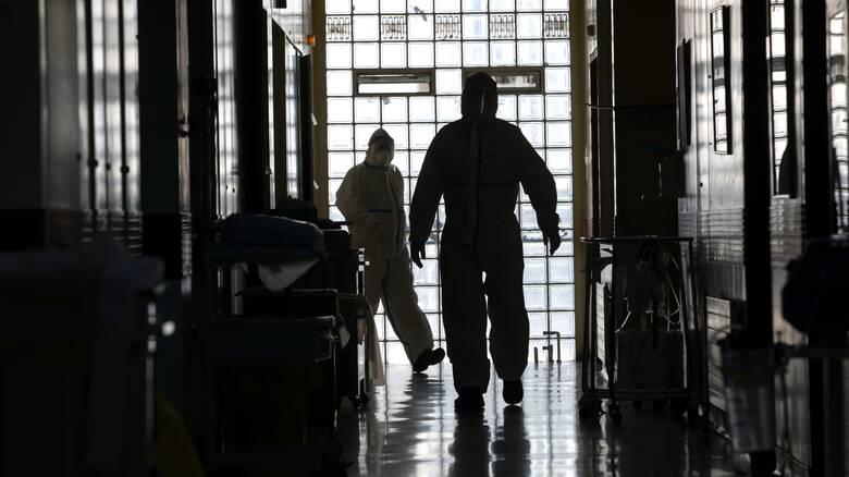 Κορωνοϊός: Εντείνεται η ανησυχία μετά το ρεκόρ των 269 κρουσμάτων