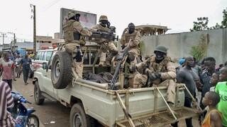 ΕΕ και Αφρικανική Ένωση καταδικάζουν την «απόπειρα πραξικοπήματος» στο Μαλί