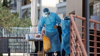 Κορωνοϊός: «Μοντέλο Πόρου» για Μύκονο και Χαλκιδική μετά την «έκρηξη» κρουσμάτων
