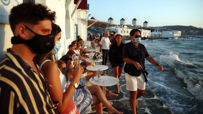 Κορωνοϊός: Από αύριο σε ισχύ τα μέτρα σε Μύκονο και Χαλκιδική - Τι αναφέρει το ΦΕΚ