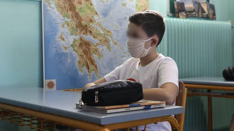 ΣΥΡΙΖΑ: Δώστε δωρεάν μάσκες σε μαθητές και καθηγητές