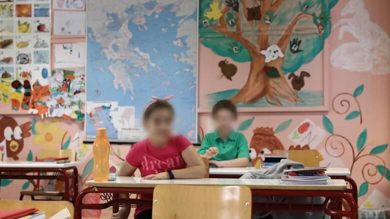 Κορωνοϊός: Μέτρα, έλεγχοι και στο βάθος «επιχείρηση σχολεία»