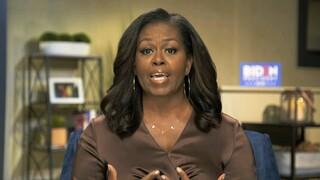 Μισέλ Ομπάμα: Η αλυσίδα που φόρεσε στο συνέδριο των Δημοκρατικών γίνεται περιζήτητη