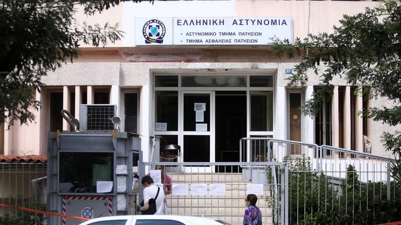 Σε επιφυλακή η ΕΛΑΣ: Τρεις αστυνομικοί θετικοί στον κορωνοϊό