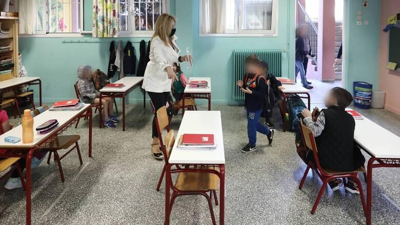 Άνοιγμα σχολείων: Εντατικές εργασίες εν μέσω ανησυχίας για τα αυξημένα κρούσματα κορωνοϊού