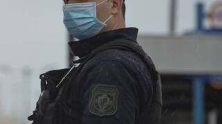 Κορωνοϊός: Συναγερμός στην ΕΛ.ΑΣ. - Θετικοί επτά αστυνομικοί που γύρισαν από Τήνο