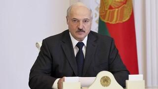 Λευκορωσία: Ο Λουκασένκο απειλεί να απολύσει όσους εργάτες συμμετέχουν σε κινητοποιήσεις