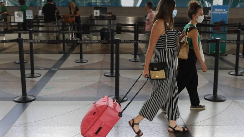 Επιφύλαξη για τα αεροπορικά ταξίδια - Τι λένε οι ειδικοί για την μετάδοση του κορωνοϊού