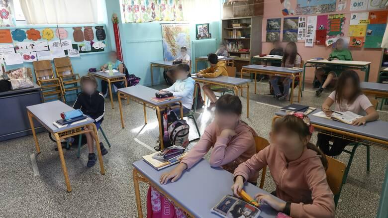 Κορωνοϊός: Υπεγράφη η απόφαση για τις μάσκες των σχολείων