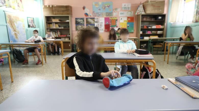 Σχολεία: Πώς θα λειτουργήσουν – Το σχέδιο του υπουργείου Παιδείας
