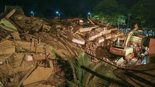 Ινδία: Συνεχίζονται οι έρευνες για επιζώντες στα ερείπια κτηρίου που κατέρρευσε στην Μαχάντ