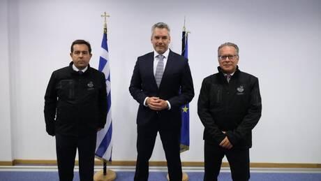 Συνάντηση Μηταράκη - Νεχάμερ: Τα σύνορα της Ελλάδας είναι σύνορα της Αυστρίας
