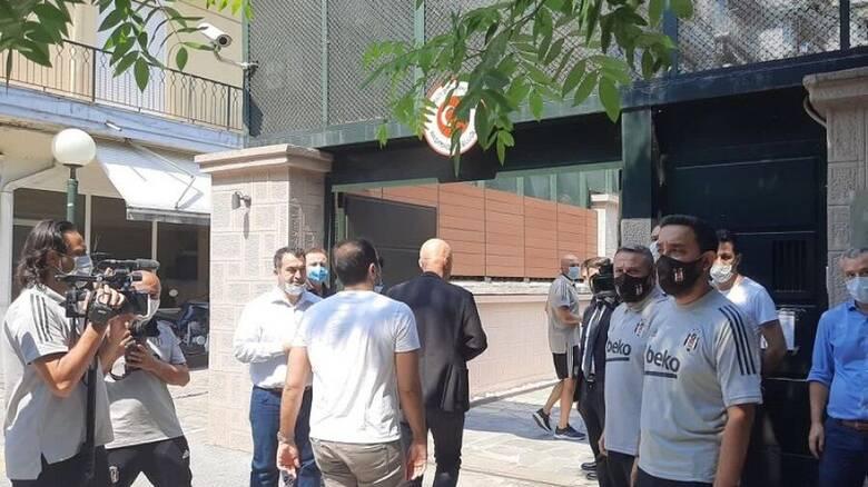 Θεσσαλονίκη: Οι παίκτες της Μπεσίκτας επισκέφθηκαν το τουρκικό προξενείο