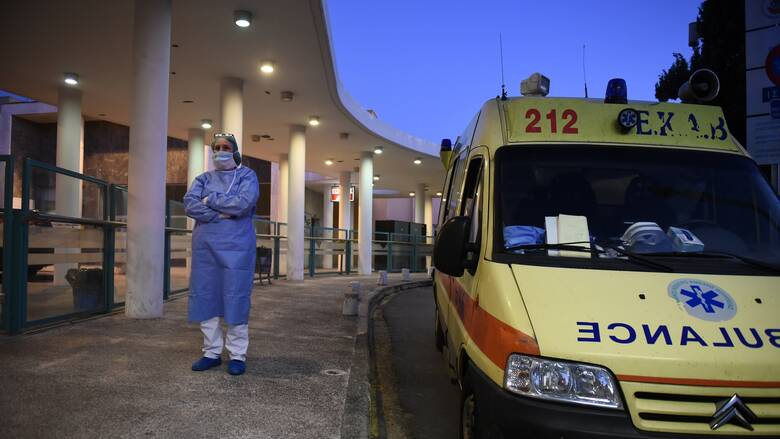 Kορωνοϊός: Κατέληξε 74χρονη στο ΑΧΕΠΑ - Στους 244 οι νεκροί στην Ελλάδα