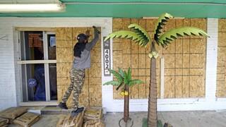 ΗΠΑ: Ενισχύθηκε ο κυκλώνας Λάουρα - Κατευθύνεται προς Λουιζιάνα και Τέξας