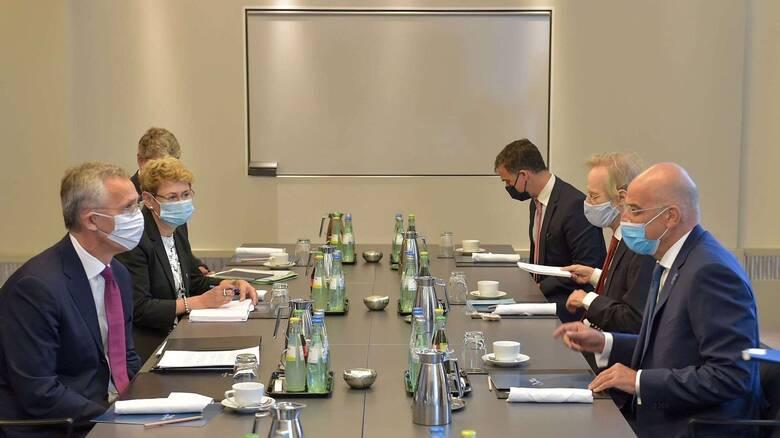 Δένδιας σε Στόλτενμπεργκ: Το ΝΑΤΟ δεν μπορεί να ανέχεται συμπεριφορές που υπονομεύουν τη συνοχή του