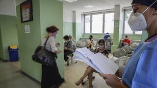 Σε έξαρση ο κορωνοϊός στην Ιταλία - Προβληματισμός για το άνοιγμα των σχολείων