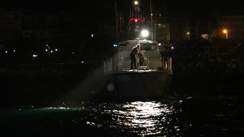 Πληροφορίες για φωτιά σε σκάφος με μετανάστες ανατολικά της Ρόδου