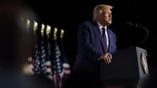 Προεδρικές εκλογές ΗΠΑ: Ο Τραμπ υπόσχεται ότι «θα νικήσει τον κορωνοϊό»