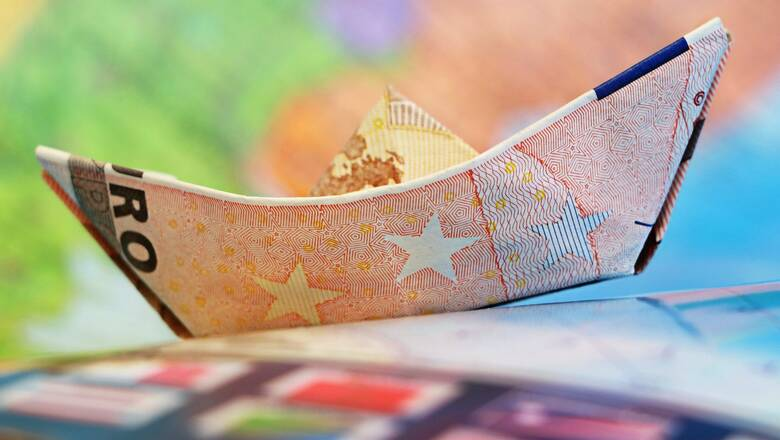 Κορωνοϊός: Παράταση έως τον Απρίλιο του 2021 για τις φορολογικές υποχρεώσεις
