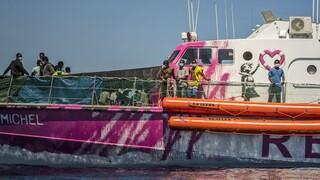Ιταλία: Το πλοίο διάσωσης του Banksy κάλεσε σε βοήθεια - Ένας νεκρός