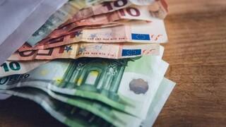 Αναδρομικά: Επισπεύδει τις πληρωμές το υπουργείο - Τα ποσά και οι δικαιούχοι