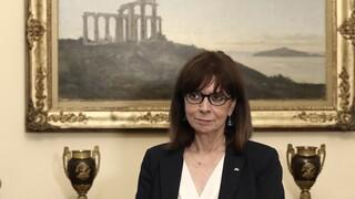 Απάντηση Προεδρίας σε Βελόπουλο για τις σημαίες στο μέγαρο και το γραφείο της ΠτΔ
