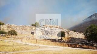 Σφοδρή αντιπαράθεση κυβέρνησης και αντιπολίτευσης για τη φωτιά στις Μυκήνες