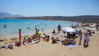ΟΑΕΔ: Ενεργοποιήθηκαν 71.332 επιταγές κοινωνικού τουρισμού τον Αύγουστο