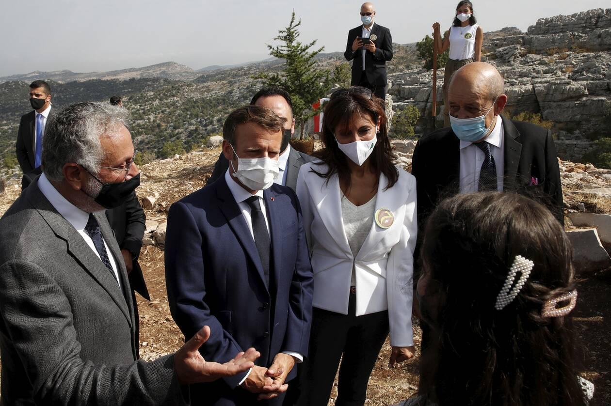 https://cdn.cnngreece.gr/media/news/2020/09/01/232746/photos/snapshot/makron_viritos-1.jpg