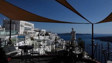 Ανοιχτό το ενδεχόμενο παράτασης της τουριστικής σεζόν άφησε ο Θεοχάρης