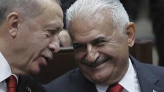 Θετικός στον κορωνοϊό ο τέως πρωθυπουργός της Τουρκίας, Μπιναλί Γιλντιρίμ