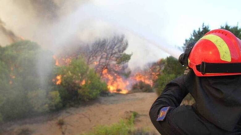 Φωτιά στο Σοφικό Κορινθίας: Εκκενώθηκαν τρεις οικισμοί και ένα μοναστήρι