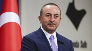 Τσαβούσογλου: Ο Μακρόν έχει γίνει «υστερικός» λόγω των εξελίξεων σε Συρία, Λιβύη και Μεσόγειο