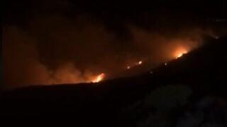 Φωτιά στην Κεφαλονιά: Ενισχύονται οι δυνάμεις της Πυροσβεστικής