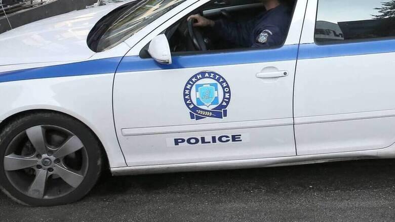 Βύρωνας: Τον λήστεψαν και τον χτύπησαν με αυτοκίνητο