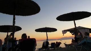 ΟΠΕΚΑ: Πότε και πώς θα γίνει η αναδιανομή των αδιάθετων δελτίων για τουρισμό, εκδρομές και θέατρο