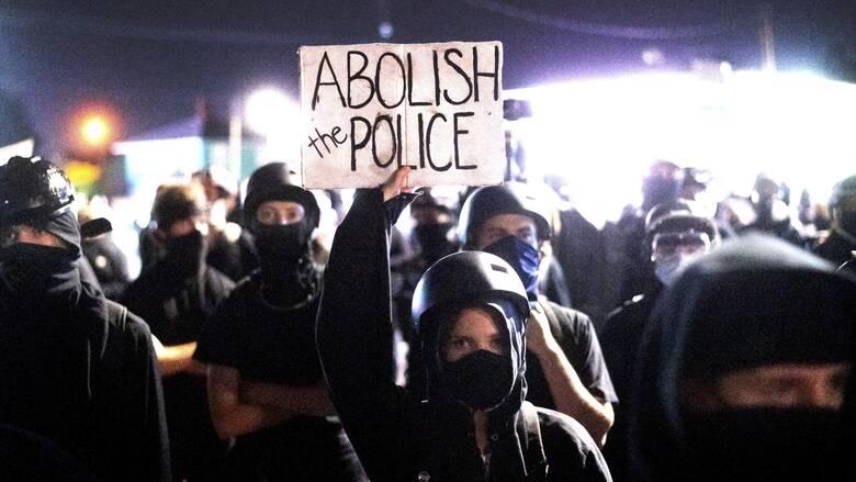 ΗΠΑ: Συλλήψεις στο Πόρτλαντ που πλησιάζει τις 100 ημέρες διαδηλώσεων