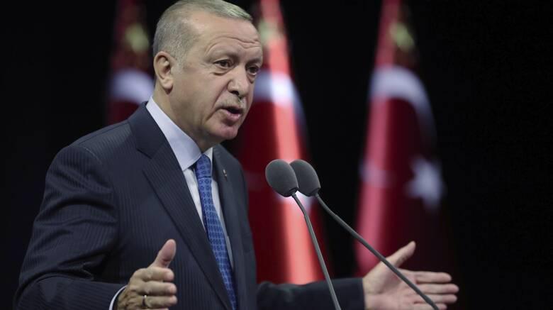 Απειλεί ο Ερντογάν: Αν δεν το καταλάβουν με το καλό, θα το βιώσουν στο πεδίο της μάχης