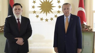Κεκλεισμένων των θυρών συνάντηση Ερντογάν - Σάρατζ στην  Κωνσταντινούπολη