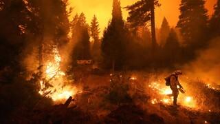 Πύρινη κόλαση η Καλιφόρνια: Σε κατάσταση έκτακτης ανάγκης πέντε κομητείες