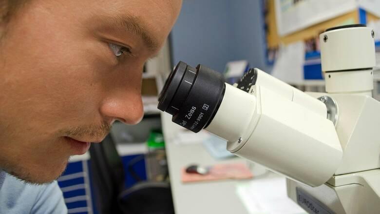 Νέα έρευνα: Το κοινό κρυολόγημα είναι σύμμαχος κατά της γρίπης και ίσως και του κορωνοϊού