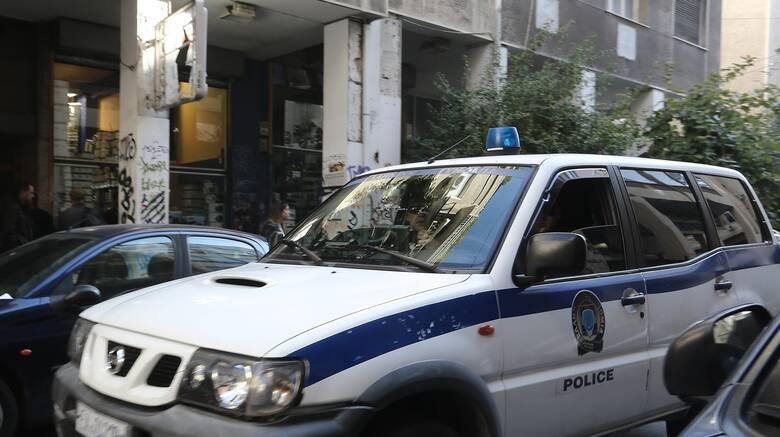 Έκλεψαν όπλο αστυνομικού στα Εξάρχεια